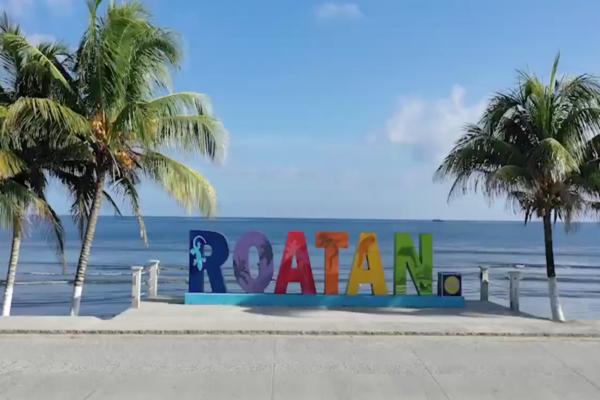 Roatán Sign